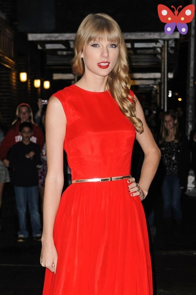 taylor-swift-taylor-swift-looking-ravishing-wb0uypinrlel